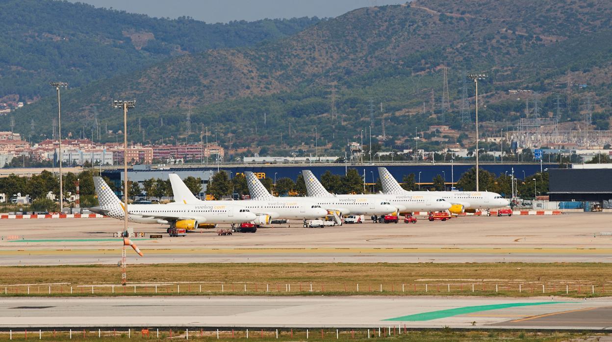 Image result for aeropuerto barcelona-el prat aviones