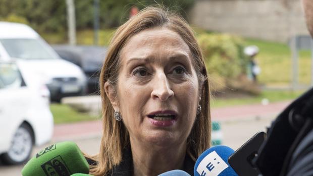 Ana Pastor: «Torra es el representante del Estado en España y debe cumplir las normas»