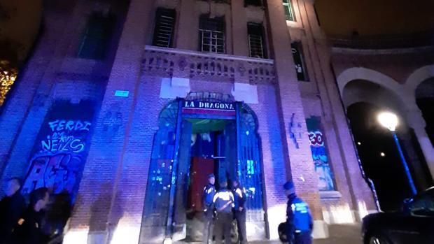 Madrid desaloja 11 años después La Dragona, uno de los edificios okupados más emblemáticos