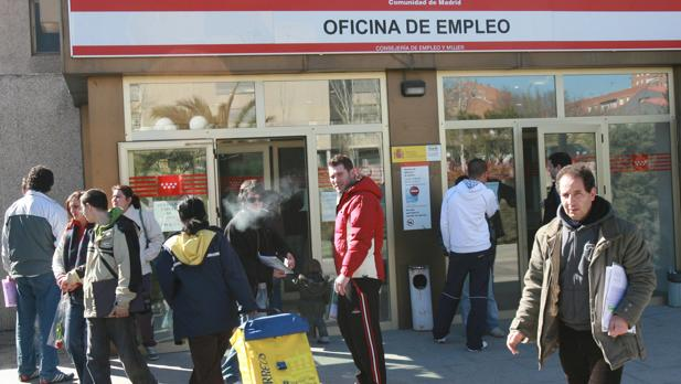 El paro en la comunidad de madrid baja en personas for Oficina de turismo de la comunidad de madrid