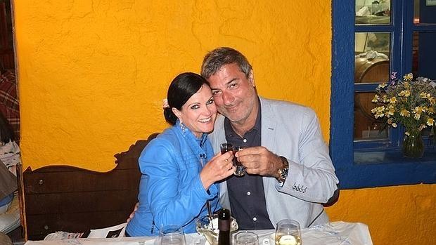 un cirujano famoso en italia promete a una periodista americana una