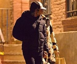 Exclusiva Daily Mail, Irina Shayk y Bradley Cooper paseando estos días por Nueva York