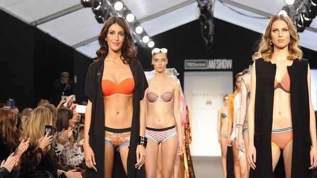 Desfile de Maybelline NY bu Bloomers & Bikini