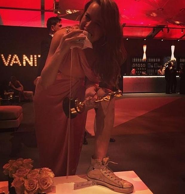 Brie Larson posa en Instagram después de ganar el Oscar