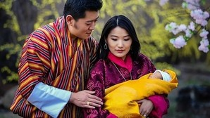 Bután celebra el nacimiento de su heredero plantando 108.000 árboles