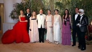 El debut de Alexandra de Hannover minimiza la ausencia de Charlene en el Baile de la Rosa