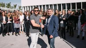 Antonio Banderas durante la inauguración de la nueva sede de Bestseller