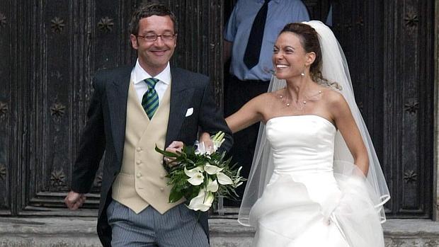 José María Lassalle y Meritxtell Batet el día de su boda, en 2005