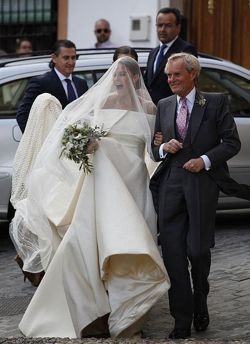 3321265fd9035 Glamur inglés con sabor español en la boda de los Wellington en Granada