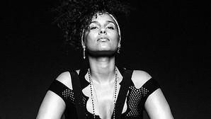 Alicia Keys dice «adiós» al maquillaje para siempre