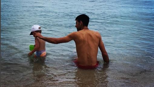 Novak sy su hijo Stefan Đoković