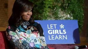 «Let Girls Learn», la asociación de Michelle Obama que defiende el derecho a la educación de las niñas
