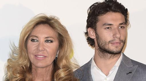 Norma Duval junto a su hijo Marc. La exvedette también es madre de Christian y Yelko