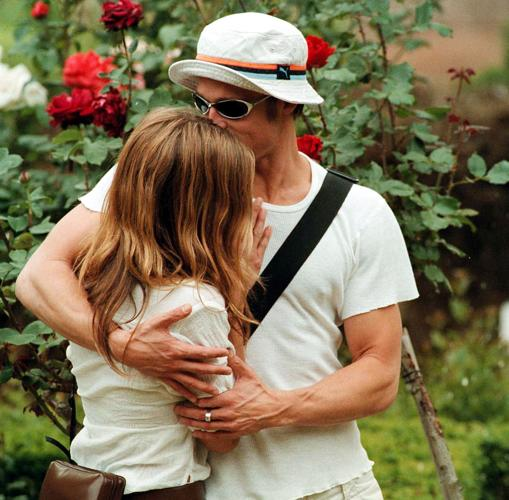 Brad y Jennifer en 1999
