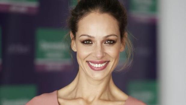 Eva González durante la presentación de la nueva línea «Dermatoline»