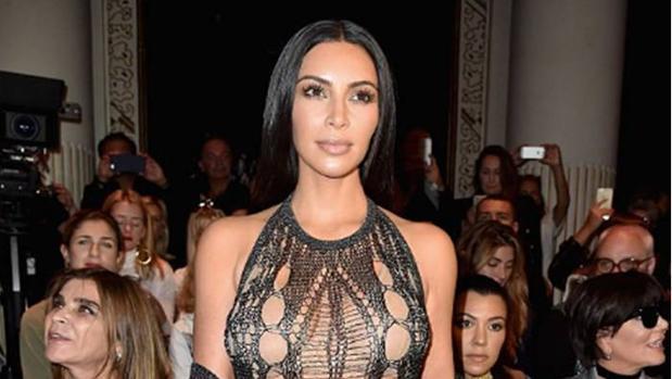 Kim Kardashian en el desfile de Balmain