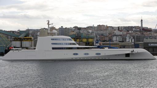 El megayate cuesta 260 millones y dispone de tres piscinas y una discoteca, además de un helipuerto