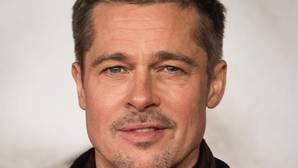 Brad Pitt se escapó a una isla tras el «no» de Angelina Jolie