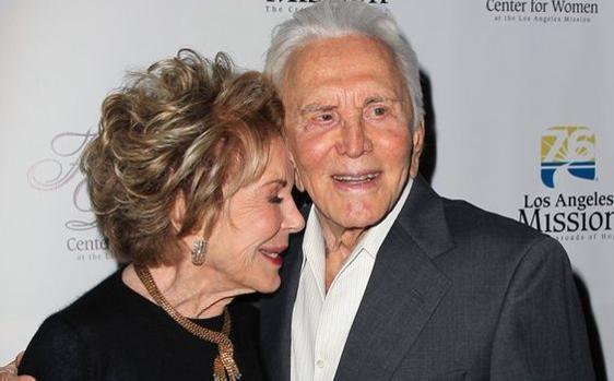 Kirk Douglas y Anne Buydens