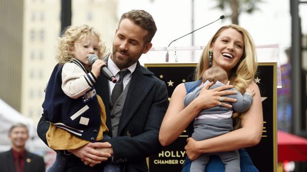 La familia Reynolds Lively al completo