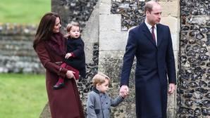 Duques de Cambridge, junto a sus dos hijos