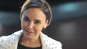 Chenoa se ríe con ironía de la «cobra» de Bisbal en un anuncio