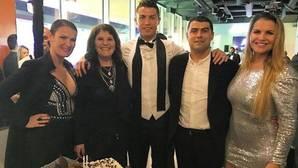 CR7 celebra en Madeira el 62 cumpleaños de su madre
