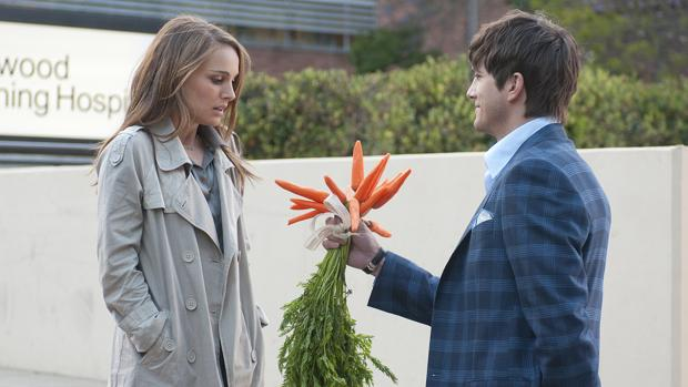 Una secuencia de Natalie Portman y Ashton Kutcher durante el rodaje de «No Strings Attached»