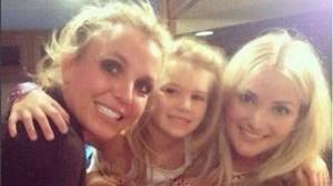 Bristney Spears, Jamie Lynn (hermana de la cantante) y su hija Maddie