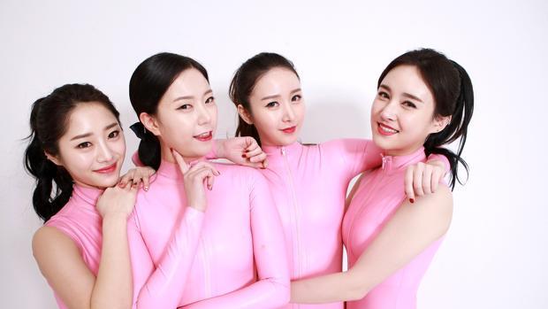 Las cuatro chicas de SixBomb