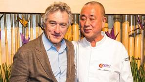 El actor Robert De Niro junto al chef Nobu