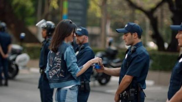 Pepsi retira el anuncio de Kendall Jenner