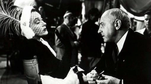Gloria Swanson y Cecil B. DeMille en el rodaje de «El crepúsculo de los dioses»