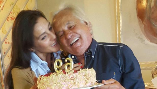 Palomo Linares junto a su pareja, Concha Azuara, en su último cumpleaños