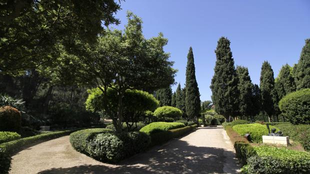 Vista de los jardines del Palacio de Marivent, en Palma