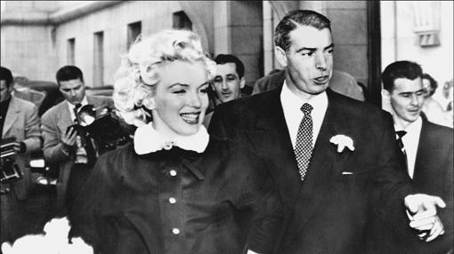 Marilyn y Dimaggio el día de su boda, en 1954