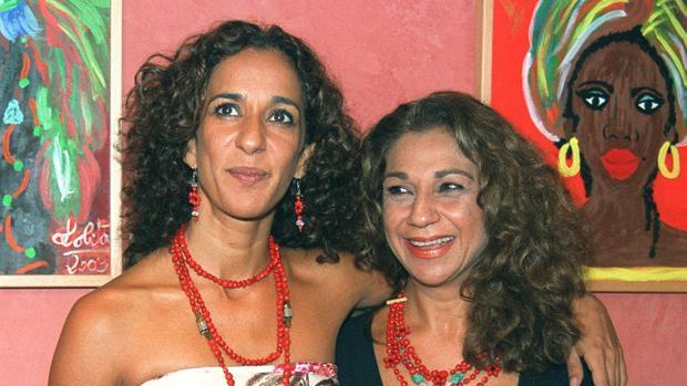 Lolita y Rosario Flores homenajean a su madre en el 22 aniversario de su fallecimiento
