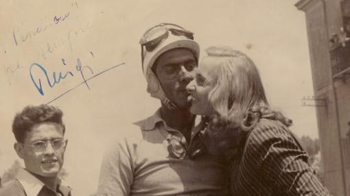 Fiamma junto al piloto Luiggi Musso