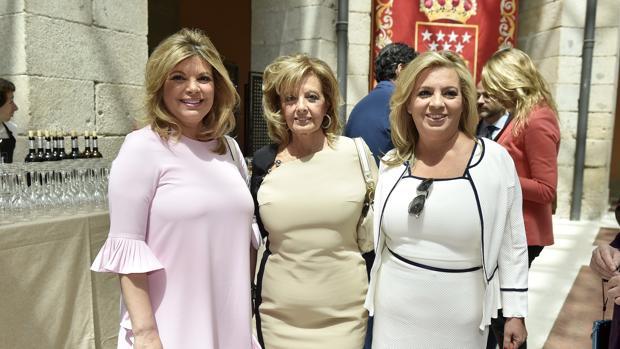 La periodista, junto a sus dos hijas, Terelu y Carmen el pasado dos de mayo