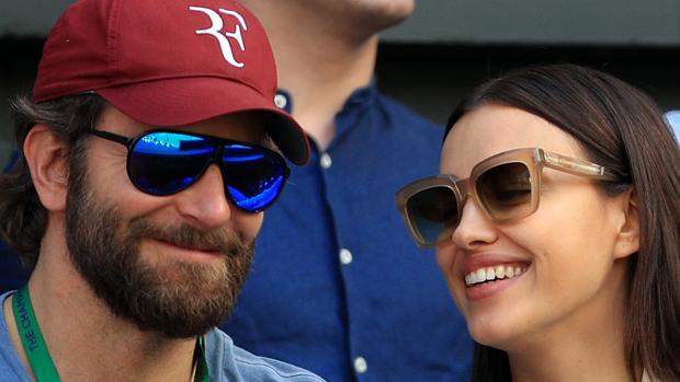 Bradley Cooper e Irina Shayk se dejan ver por primera vez junto a su pequeña