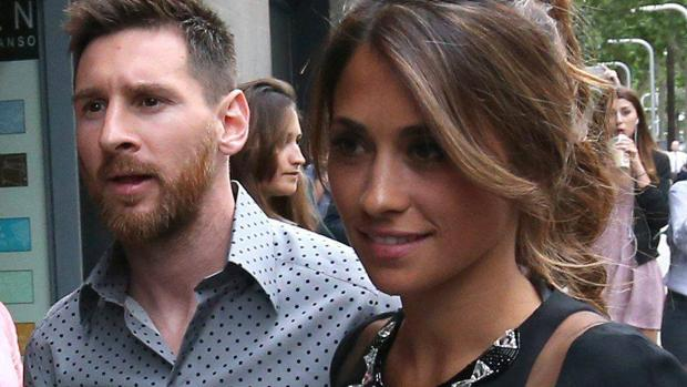 Matrimonio Messi : Leo messi despide a la organizadora de su boda