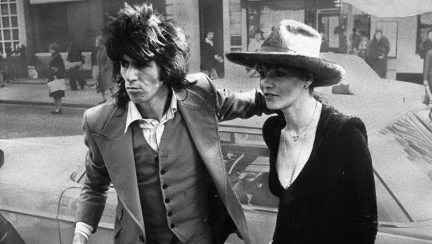 Anita Pallenberg con Keith Richards en 1973