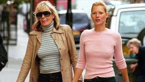 Kate Moss con la propia Anita Pallenberg, es quien más se asemeja hoy en día a la musa de los Stenes