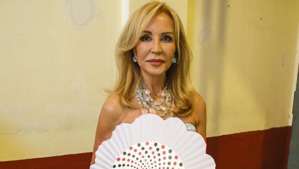 Carmen lomana arremete contra bel n esteban - Biografia de carmen lomana ...