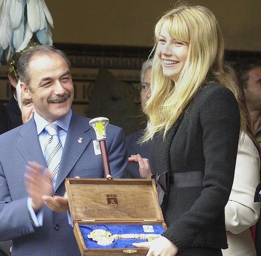Gwyneth Paltrow fue nombrada hija adoptiva de Toledo en 2003