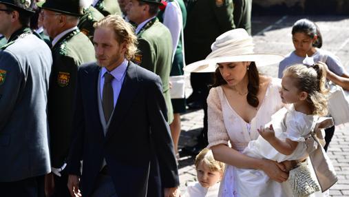 Andrea Casiraghi y su mujer en la boda