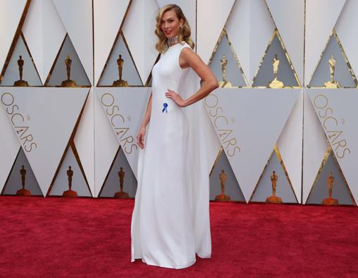 Karlie Kloss eligió a la diseñadora británica para deslumbrar en la alfombra roja de los Oscar de este año