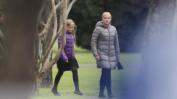 Las princesas despidieron a su abuelo en Buenos Aires