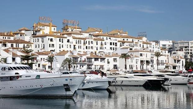 Roban un millón de euros en joyas a un príncipe saudí en Marbella