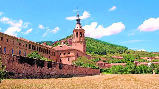 Vista exterior del Monasterio de Yuso